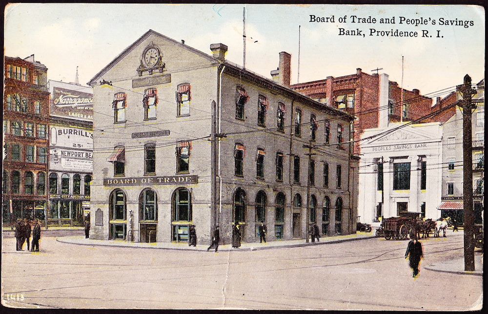 An early 20th-century postcard, showing the bank's edifice on Market Square (white building in the background, right).